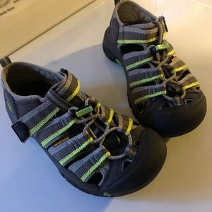 Kids Keens gray and bright green size 1